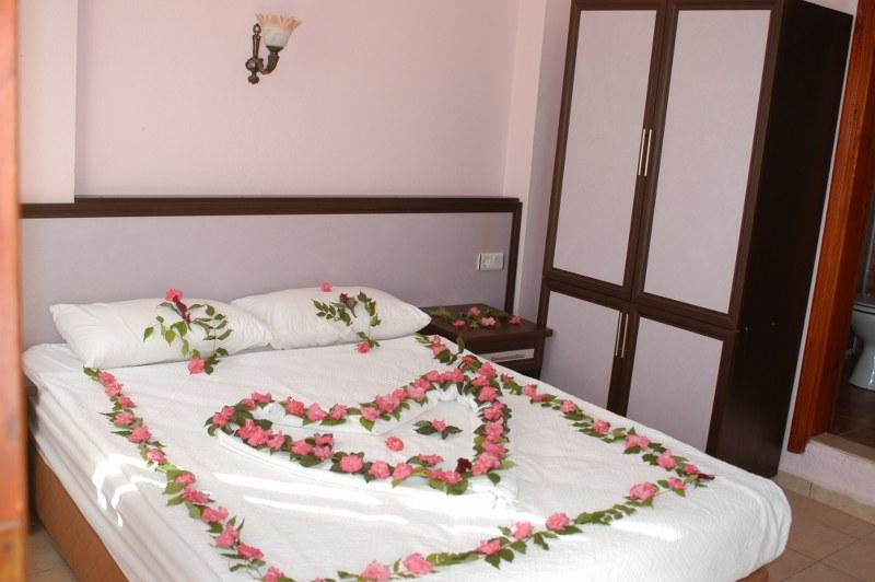 fethiye-ölüdeniz-carmina-hotel